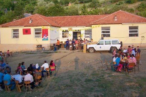 Festë me fshatin në Holtas