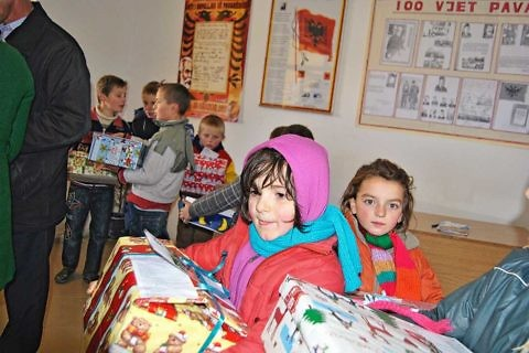 At the Christmas campaign 2013 in Poroçan